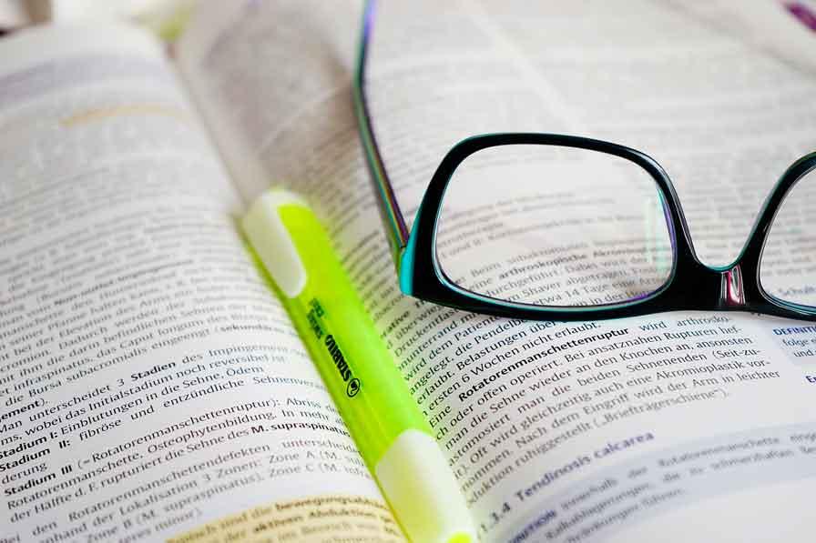 Entrenamiento perceptivo visual combinado con estimulación somatosensorial para la lectura en lesiones cerebrales